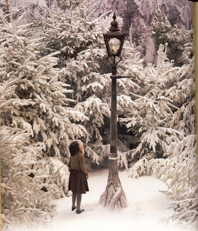 Lucy by the Lamp-post | Narnia Fans